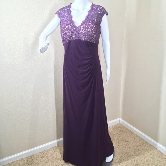 9c48bc27 Xscape Dresses | Womens Ruched Vneck Lace Prom Dress | Poshmark